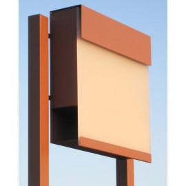 Brun Bravios Manhattan brevlåda vit transparent front med stolpe
